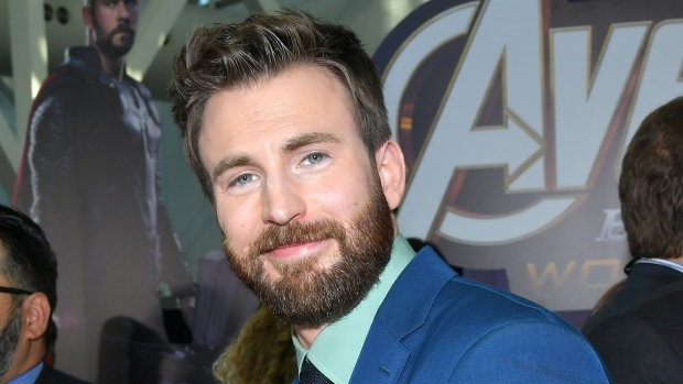 Chris Evans Crashes His 20-Year High School Reunion