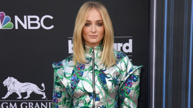 [NATL-AH] Sophie Turner Blasts 'Game Of Thrones' Petition