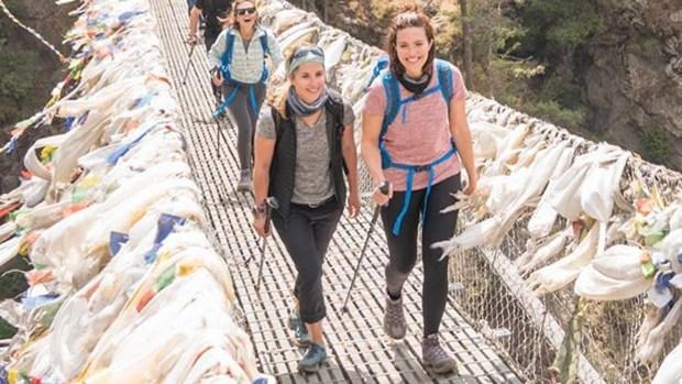 [NATL-AH] Mandy Moore Fulfills Bucket List Dream Of Visiting Everest