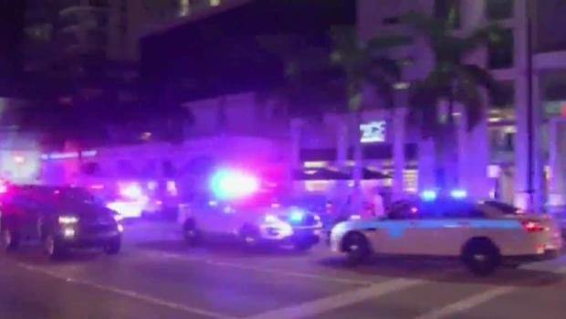 [MI] 3 People Hospitalized After Miami Apartment Stabbing