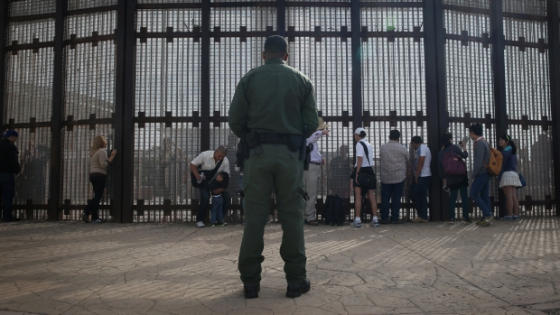 [NATL] U.S. Border Control Crisis in Photos