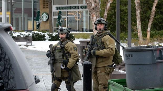 [NATL] Dramatic Images: Maryland Mall Shooting