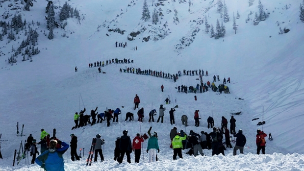 [NATL] Top News Photos: Avalanche Injures 2 at New Mexico Ski Resort
