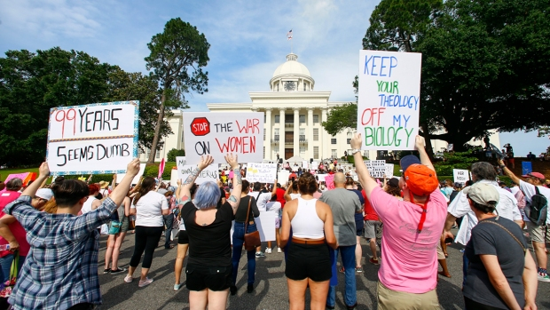 [NATL] Top News Photos: Protestors March Against Ala. Anti-Abortion Bill, and More