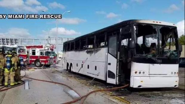 [MI] Bus Catches Fire on I-95