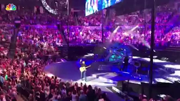[NATL] Man Proposes at Garth Brooks Concert, Brooks Offers to Pay for Honeymoon