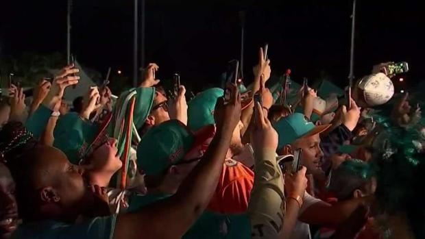 [MI] Dolphins Fans Crowd Hard Rock Stadium for NFL Draft
