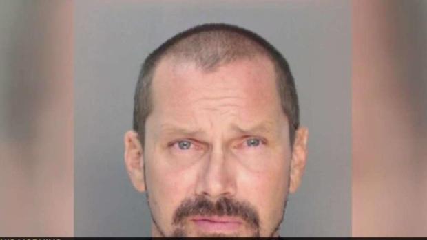 [MI] Man Charged With Drawing Swastikas on Miami Beach