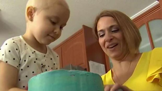[MI] Mom & Daughter Duo Battle Disease Through Baking