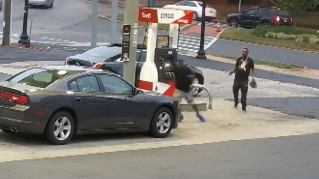 [DFW] Gun Battle Breaks Out at Gas Station