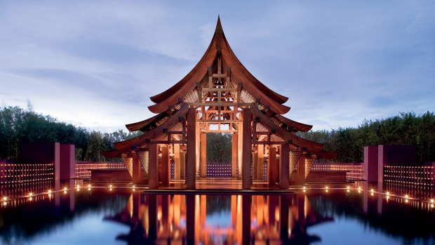 Photos: Secluded Tropical Romance Awaits in Thailand