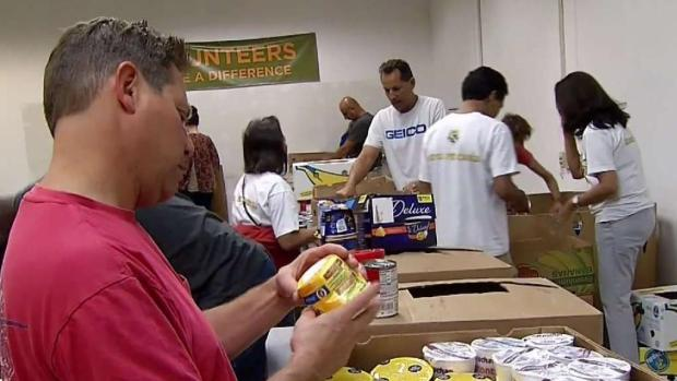[MI] Feeding Florida Volunteers Organize Donations for Panhandle
