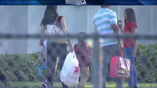 [MI] Students Return to Classes in Broward Schools