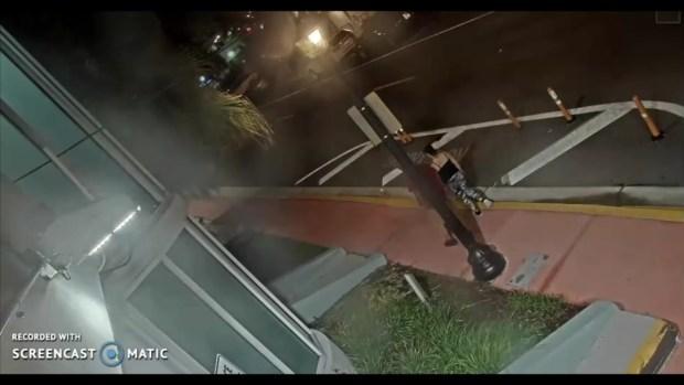 [MI] Suspects in Miami Beach Tourist Robbery Caught on Camera