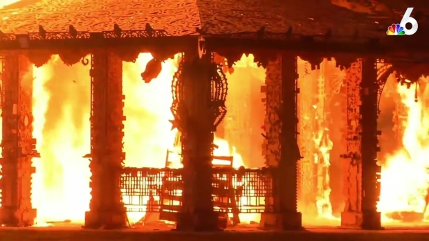 [MI] 'Temple of Time' Burned in Solemn Tribute