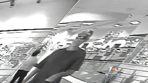 [DGO] FBI Seeks Serial Bank Bandits