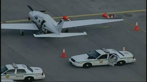 [MI] Aerial Footage of Plane at Tamiami Airport