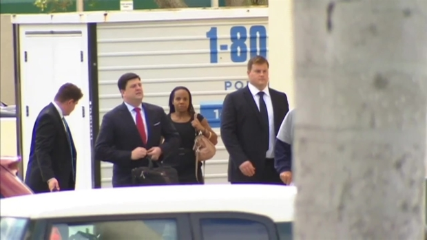 [MI] Richie Incognito Arrives at Miami Dolphins Facility