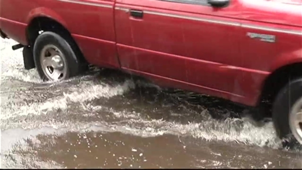[MI] RAW VIDEO: Downpours Cause Flooding in Miami-Dade