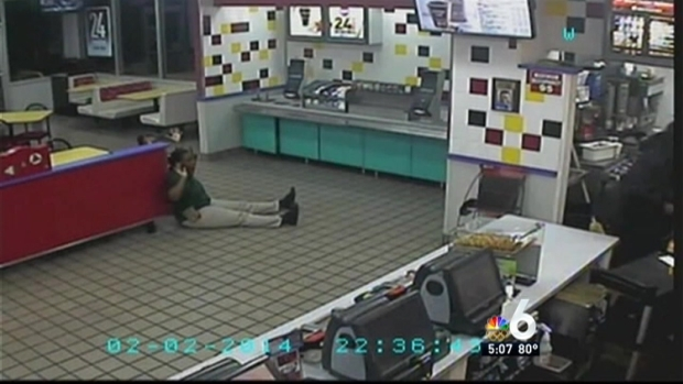 [MI] Fort Lauderdale Police Looking for Suspects in McDonald's Armed Robbery