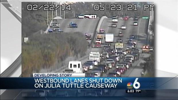 [MI] Rollover Accident Causes 1-195 Shutdown on Alton Road