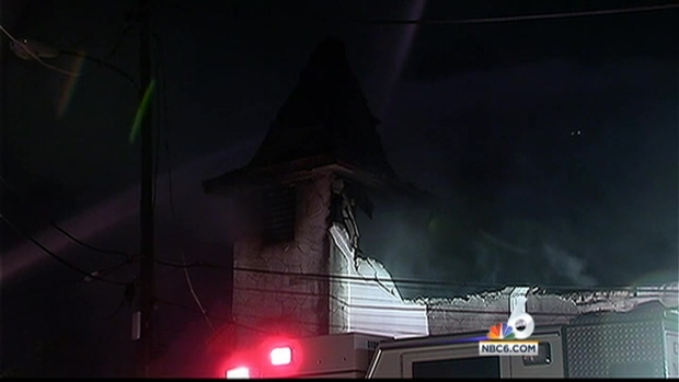 [MI] Fire Ravages Miami Duplex