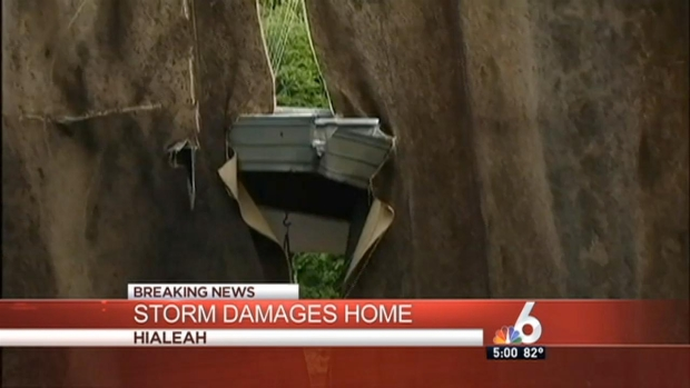 [MI] Storm Damages Hialeah Home