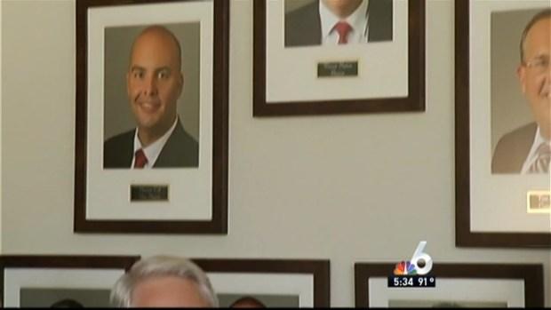 [MI] Ex-Mayor Goes Back to City Hall