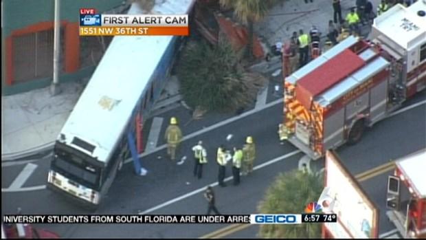 [MI] SUV Hits Bus, Bus Slams Into Building in NW Miami-Dade