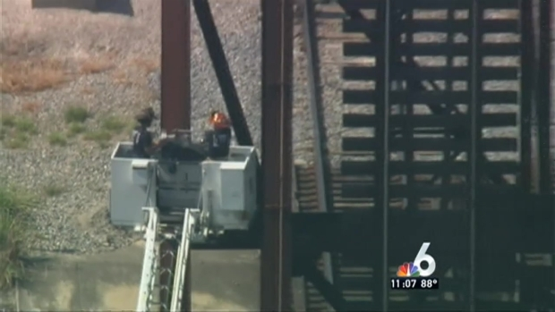 [MI] Naked Man Rescued from Ft. Laud. Bridge
