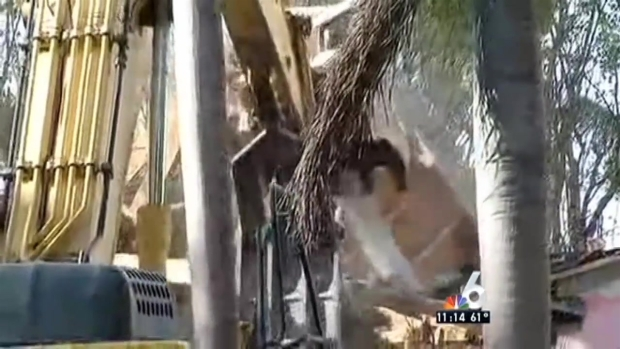 [MI] Pablo Escobar's Miami Beach Mansion Being Demolished