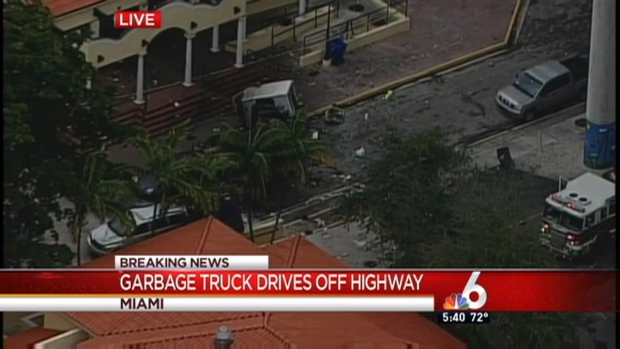 [MI] Garbage Truck Drives Off Highway Overpass in Miami-Dade