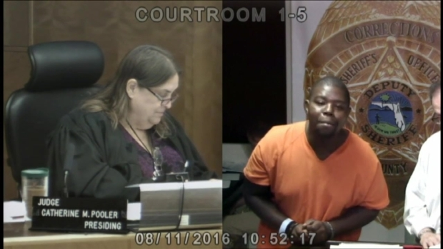 [MI] RAW Miami-Dade Inmate Twerks In Court