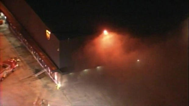 [MI] VIDEO: Crews Dealing With Fire at Hialeah Warehouse