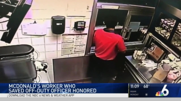 [MI] Police, Mayor Honor McDonald's Workers Who Helped Officer