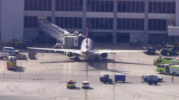 [MI] RAW: Crews Respond to Report of Smoke in Cockpit at MIA