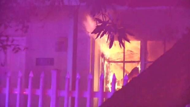 [MI] Massive AM Fire Engulfs Overtown Home