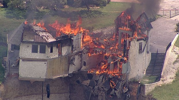 House on Lake Whitney Cliff Burned to the Ground