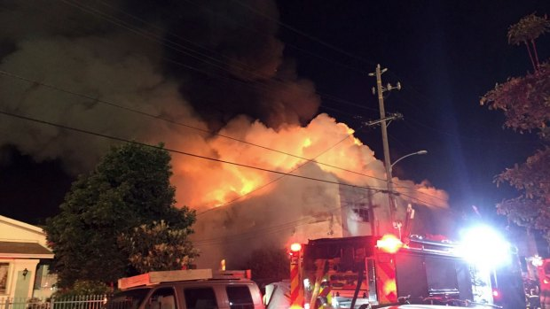 [NATL]Fire Rips Through Oakland Warehouse, Killing Dozens