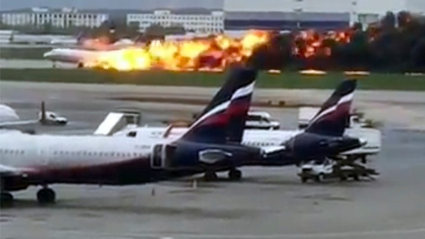 [MI] Burning Plane Lands at Moscow Airport