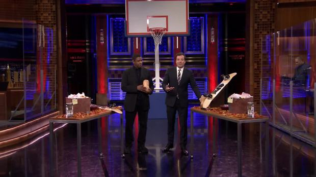 [NATL] 'Tonight': Random Object Shootout With Denzel Washington and Steph Curry