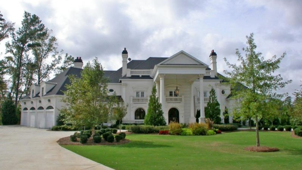 Michael Vick's Mansion a No-Sell at Auction
