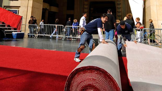 Feb. 18, 2009: Roll Out the Red Carpet