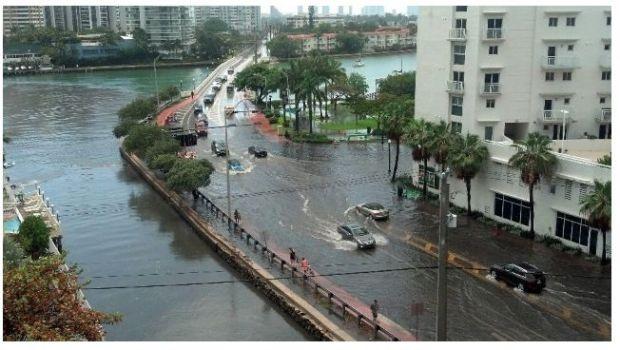 PHOTOS: Heavy Rain Leaves South Beach Flooded