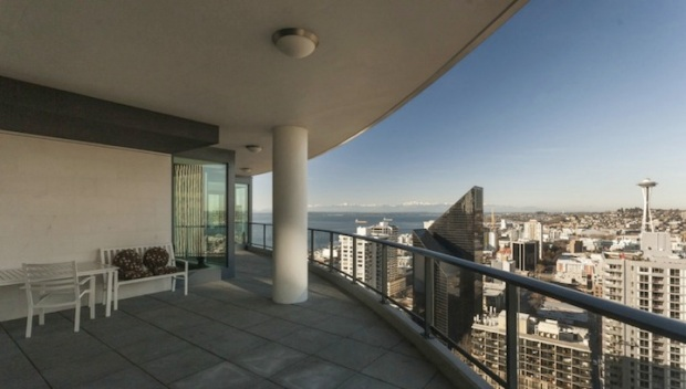 """Tim Lincecum's """"50 Shades Of Grey"""" Condo Sells For $2.25M"""