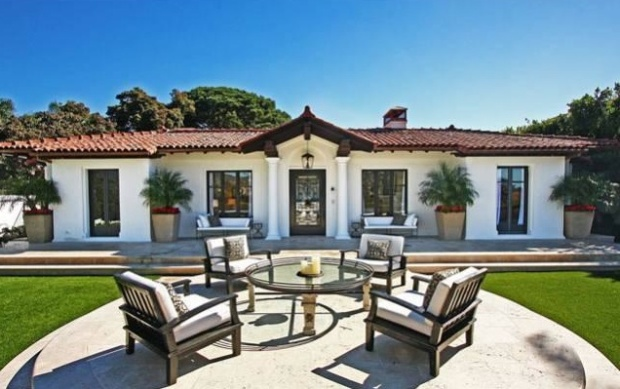 """Simpsons"" Creator Scoops Up Santa Monica Crib"