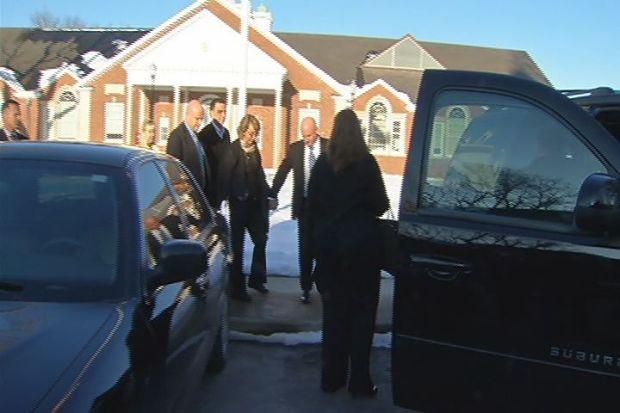 [HAR] Gabby Giffords Visits Newtown