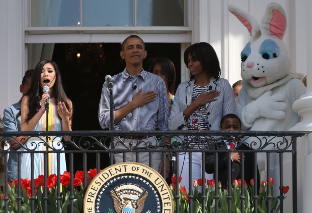 Obamas Join the 2013 Easter Egg Roll