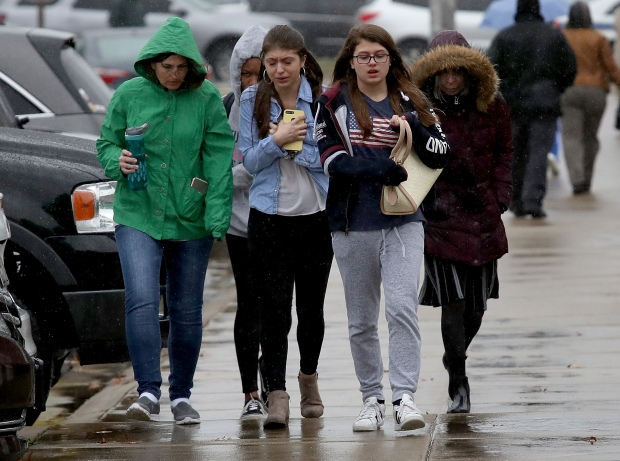 [NATL] Shooter Dead, 2 Students Injured in Maryland High School Shooting