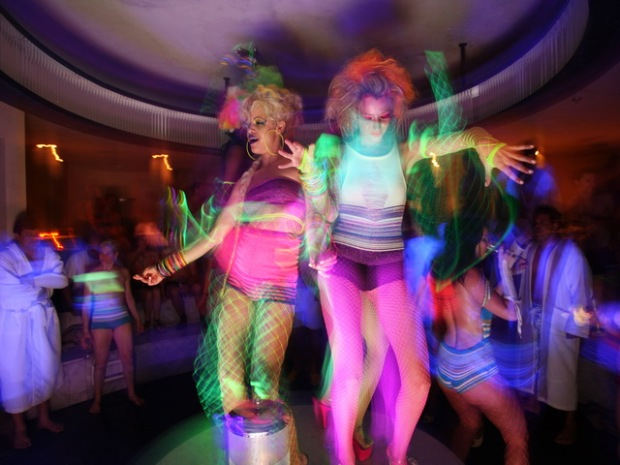 [NTSD] Disco Spa: Inside the Private Dance Party at The Standard